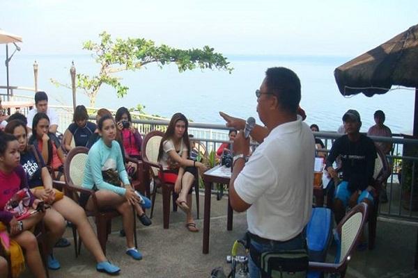 Dive_Resort_Anilao_beach_and_resort_02