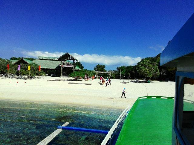 how to go to tamaraw beach resort from manila