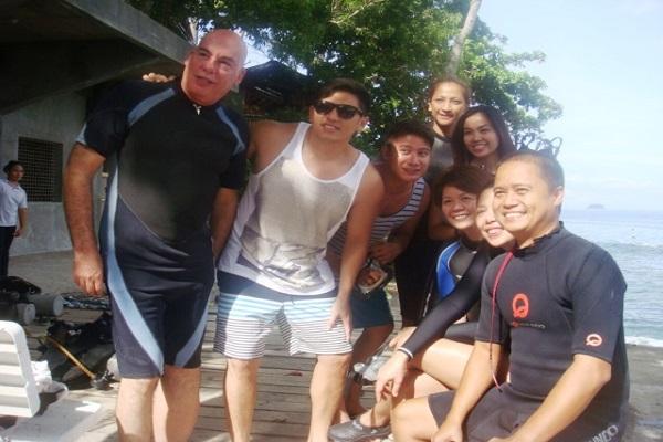 Dive_Resort_Anilao_diving_resorts_02